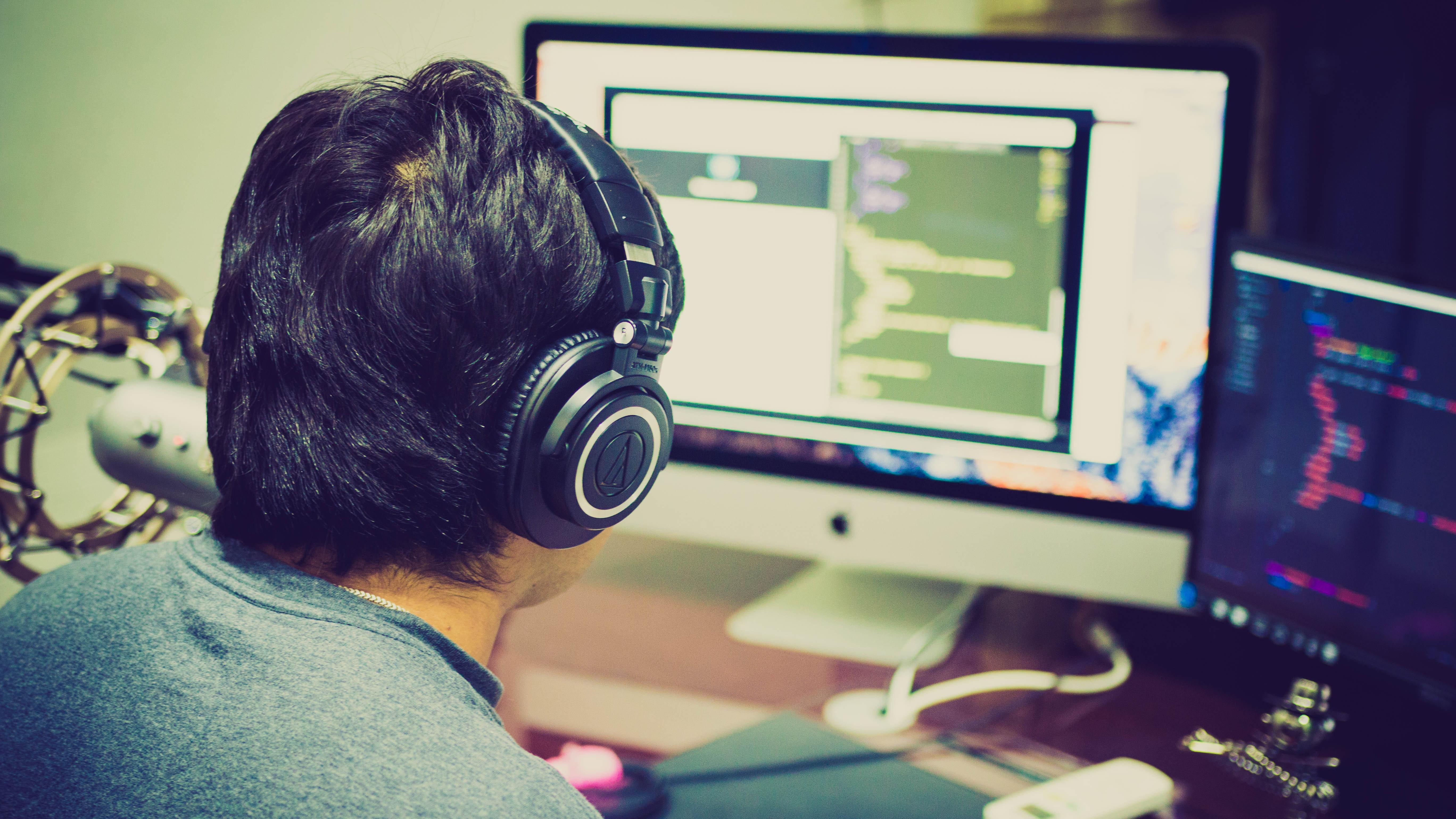 top-6-factors-creating-effective-custom-software-development.jpg