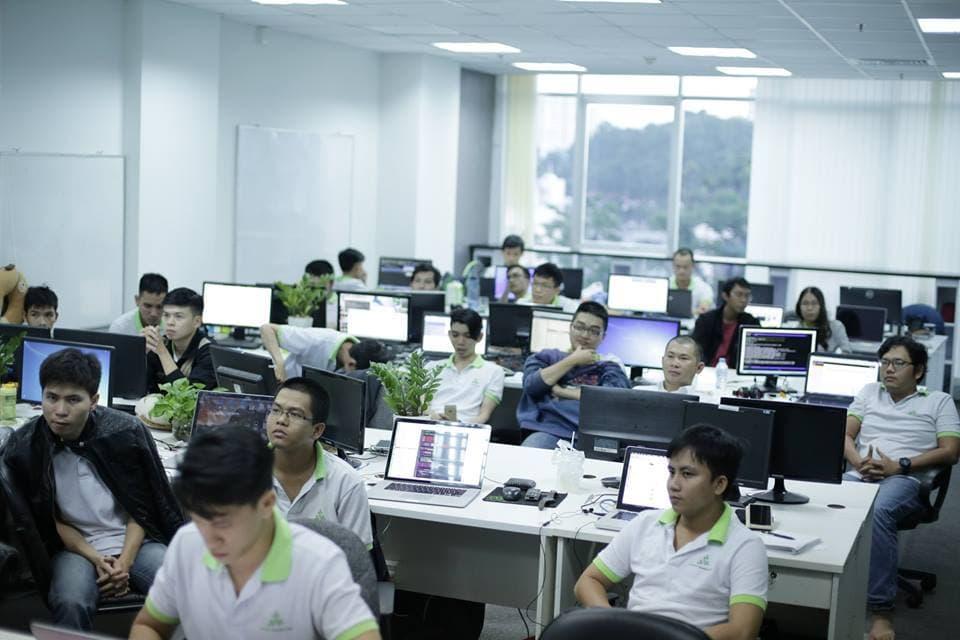 Choose web-based or desktop based for your application development project